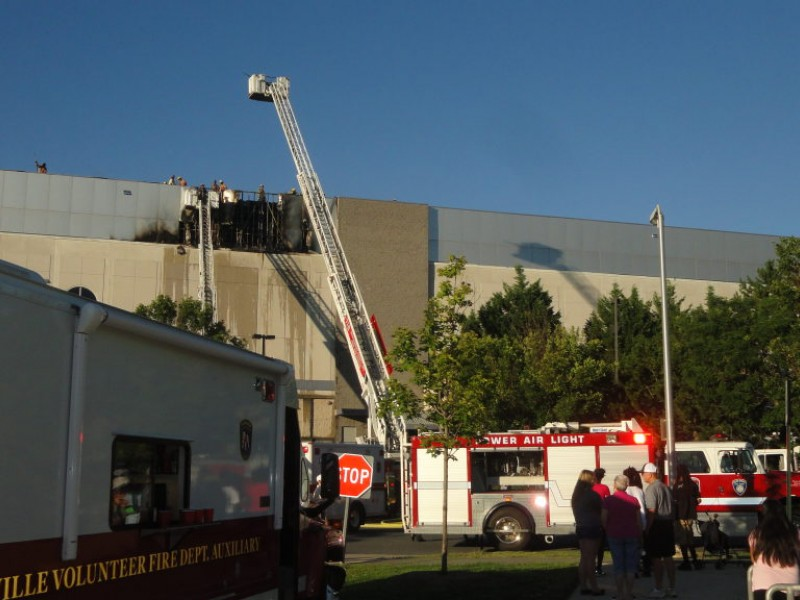 PHOTOS Fire at Marlo Furniture Closes Rockville Pike