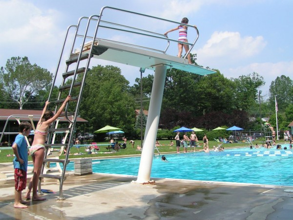 As schools close early people head to the pool in - Public swimming pools frederick md ...