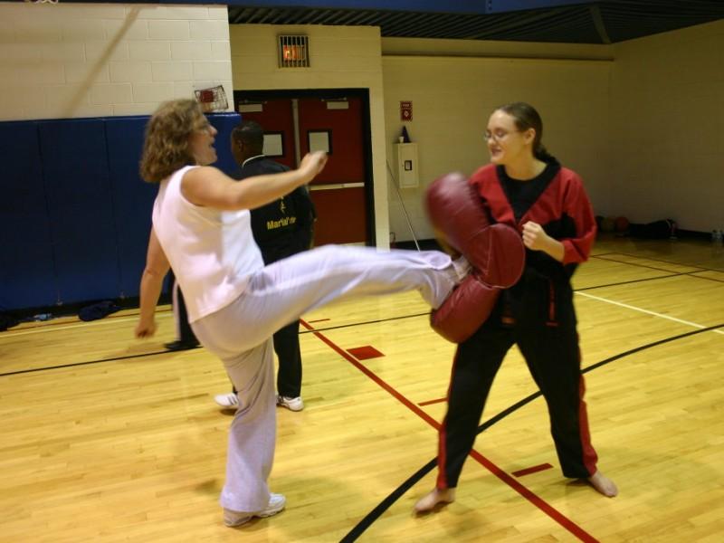 Self Defense Course Police Offer Free Self Defense
