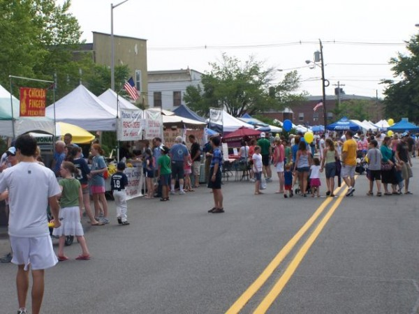 Shopping And Eating At The 2012 Fishawack Festival