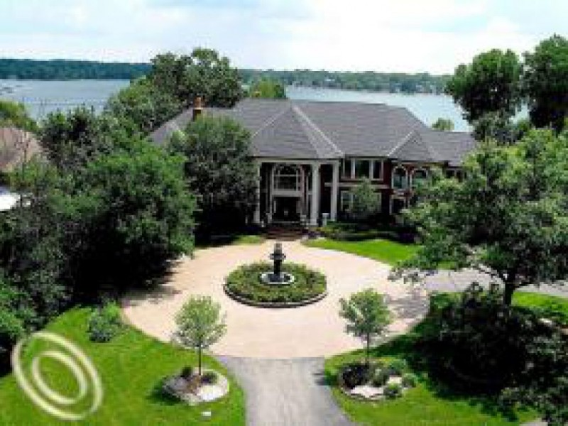 House hunt the 5 most expensive homes for sale in west for Most expensive house in michigan