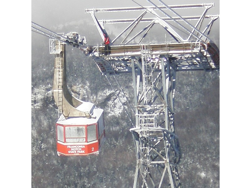 48 rescued from stranded Cannon Mountain tram cars