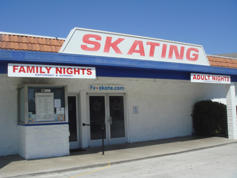 Fountain Valley Roller Rink Helps Keep Artistic Skating