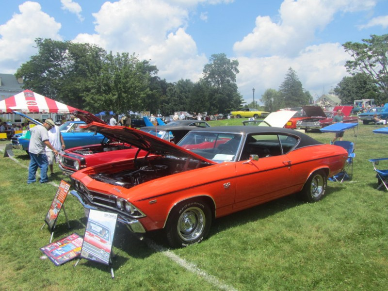 PHOTOS: The 41st Annual Bay State Antique Auto Show