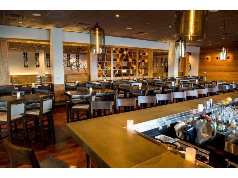 Dip au pesto et parmesan: Recette maison. Une recette maison d'un bon Dip au pesto et parmesan qu'on se fait servir dans l'un de mes restaurant préféré le Bonefish j'adore particulièrement les crevettes farci à la chair de homard un pur régal.