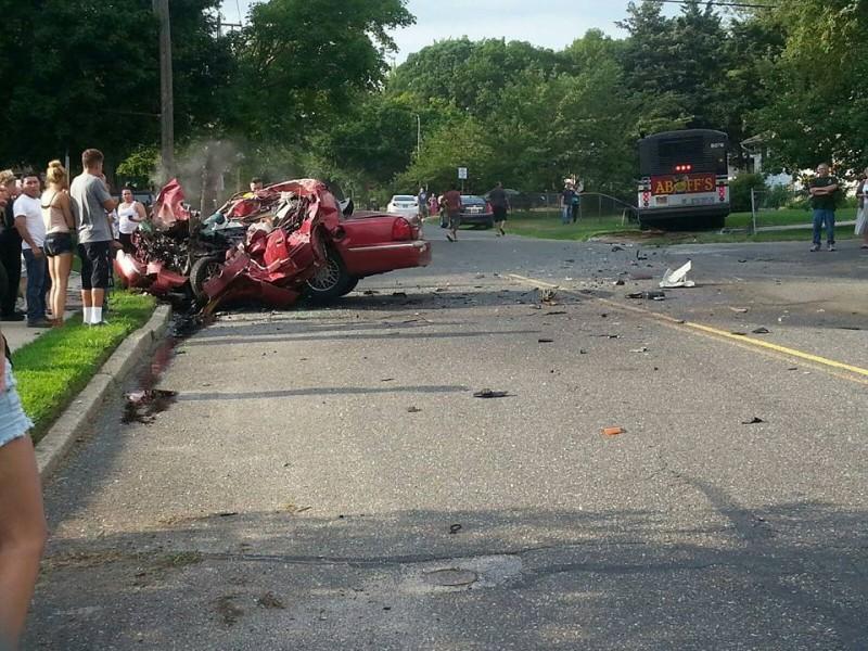 Local Car Crash In Selden