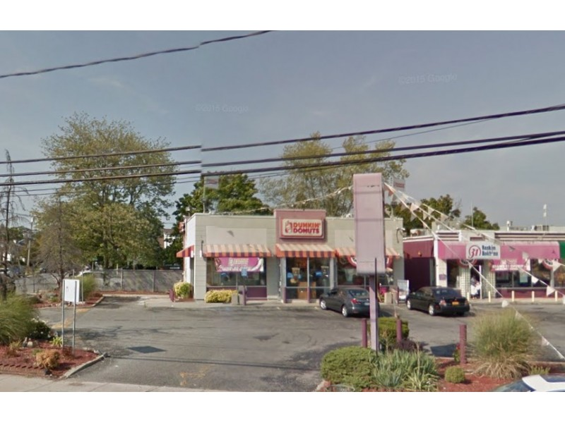Armed Masked Man Robs Nassau County Dunkin 39 Donuts