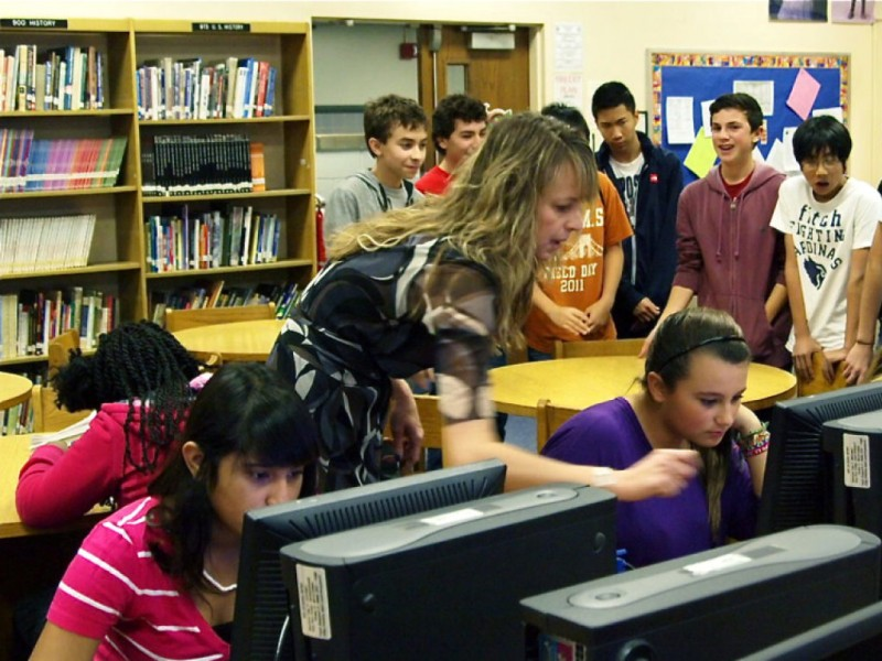 Middle School Students Pledge to 'Delete' Cyber-Bullying ...