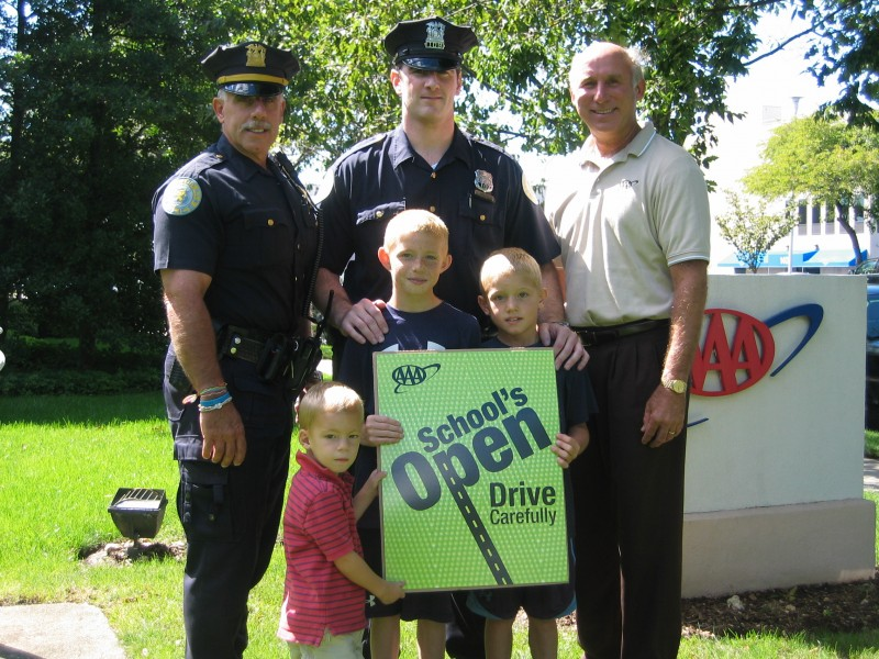 Police Help Launch 39 School 39 S Open Drive Carefully 39 Campaign Garden City Ny Patch
