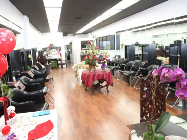 Cheveux salon opens its doors in san marino san marino for Michaels furniture huntington park