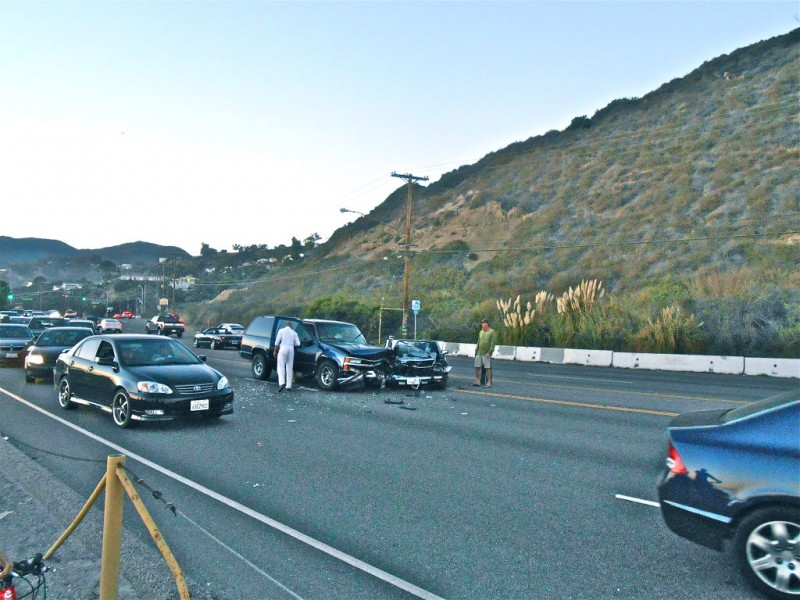 3 injured in crash near temescal canyon road at pch for Mercedes benz of calabasas staff