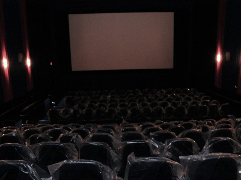 new newark movie theater open for memorial day weekend