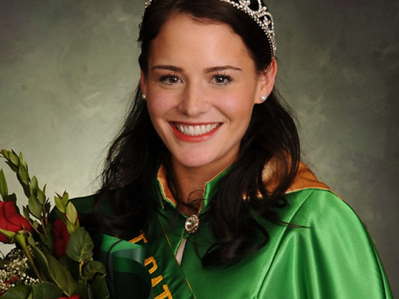 Fenwick Grad Is Queen Of Chicago St Patrick S Day Parade