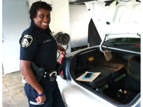 ride along police officer essay The ride-along program is designed to foster a better understanding of the challenges, hazards and rewards of being a police officer in the rockville community.