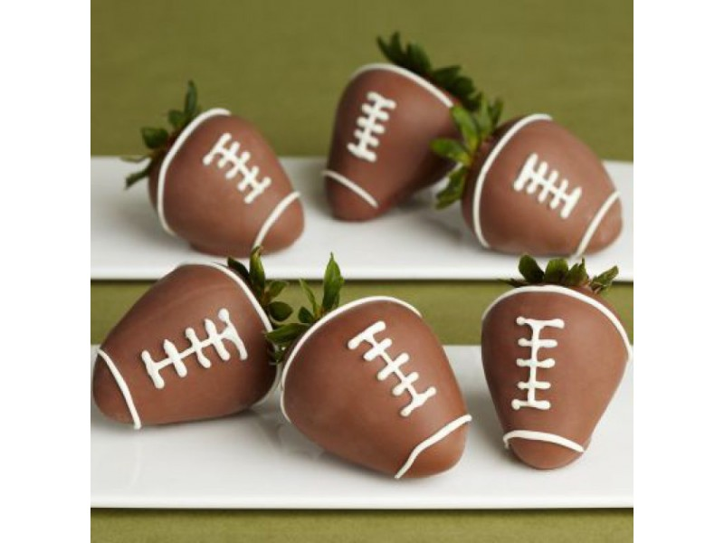 Chocolate-Dipped Strawberry Footballs For Your Superbowl Party