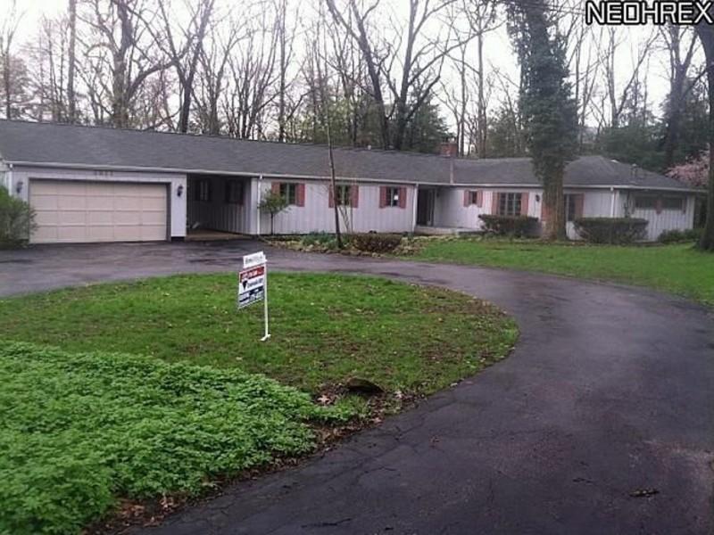 Ranch home includes full in law suite brecksville home for Homes with inlaw suites for sale