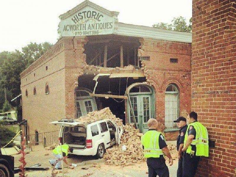 Updated Van Crashes Into Historic Acworth Antiques