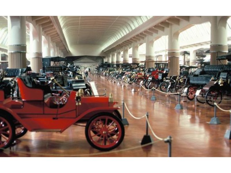 Dearborn 39 s henry ford museum other attractions on for Royal family motors canton
