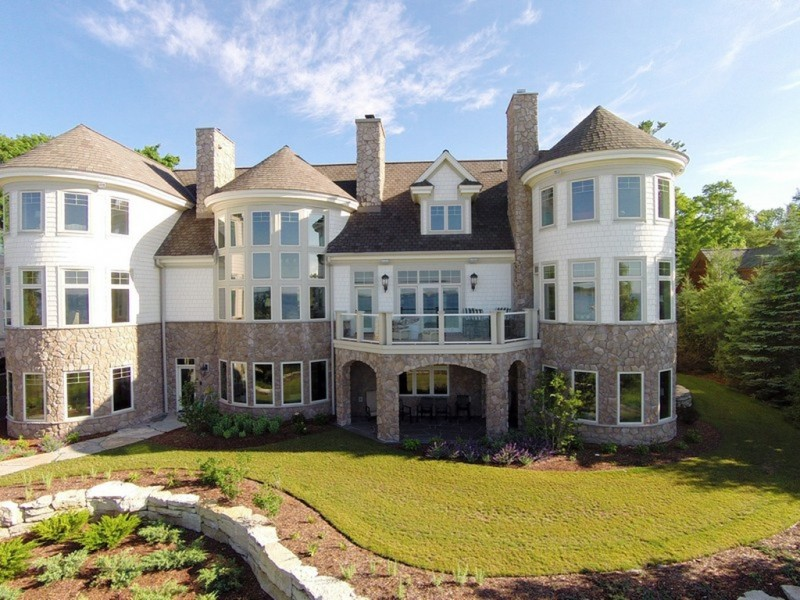 Michigan wow houses 3 ridiculously expensive estates for Most expensive house in michigan