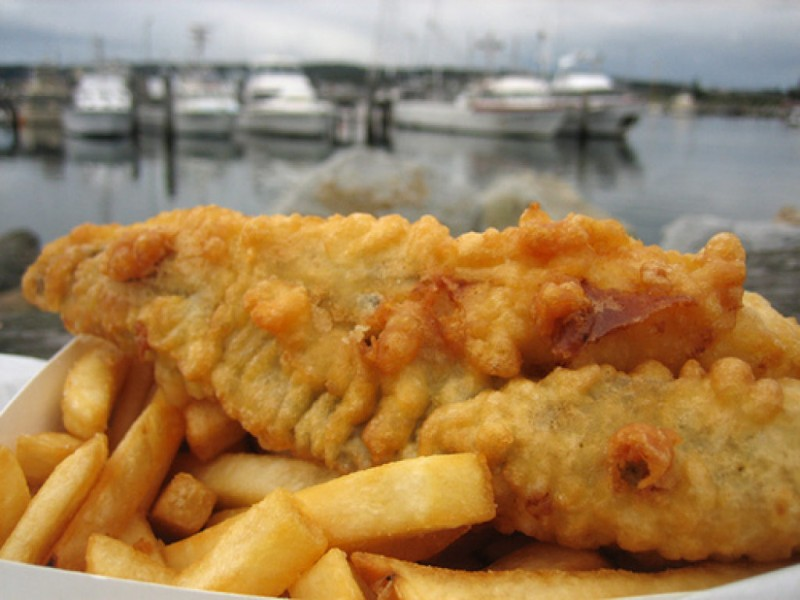 Eat at the area 39 s top fish fry on good friday sussex wi for What to eat with fried fish