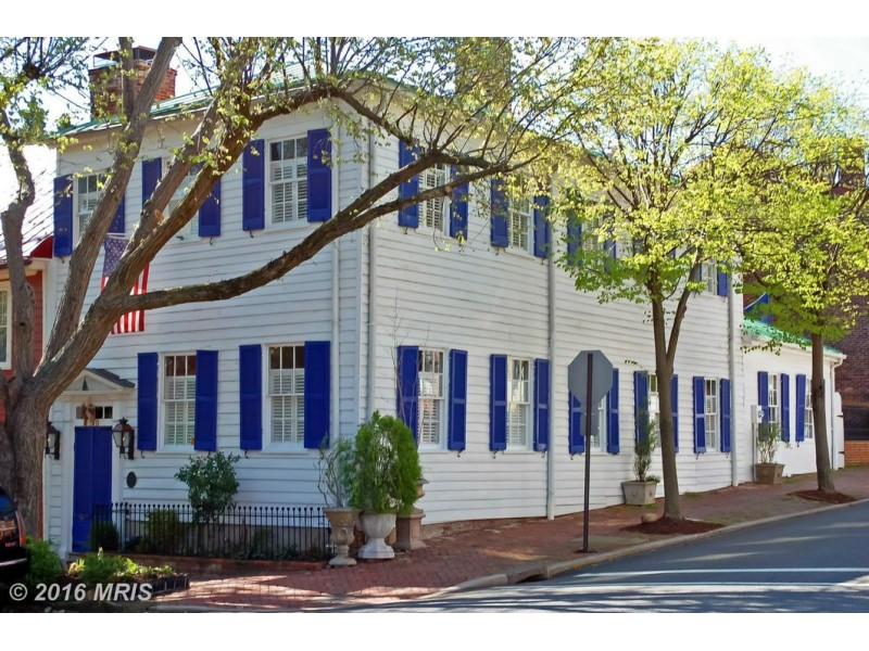 Old town alexandria 39 wow 39 house restored 1792 home on for 63 alexandra terrace harbourlink warehouse