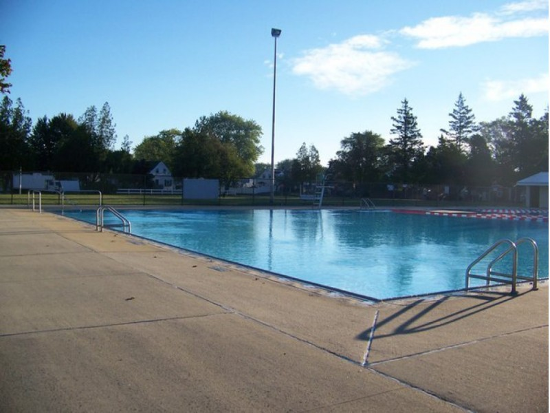 81 stay cool at levittown pools levittown ny patch