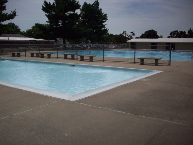 81 stay cool at levittown pools levittown ny patch for Garden city pool jobs