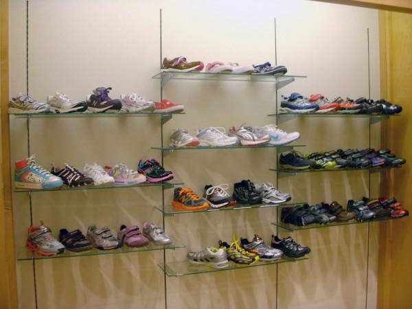 Shoe Stores In Algonquin