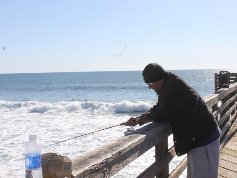 Little known facts about fishing off the oceanside pier for Fishing license san diego