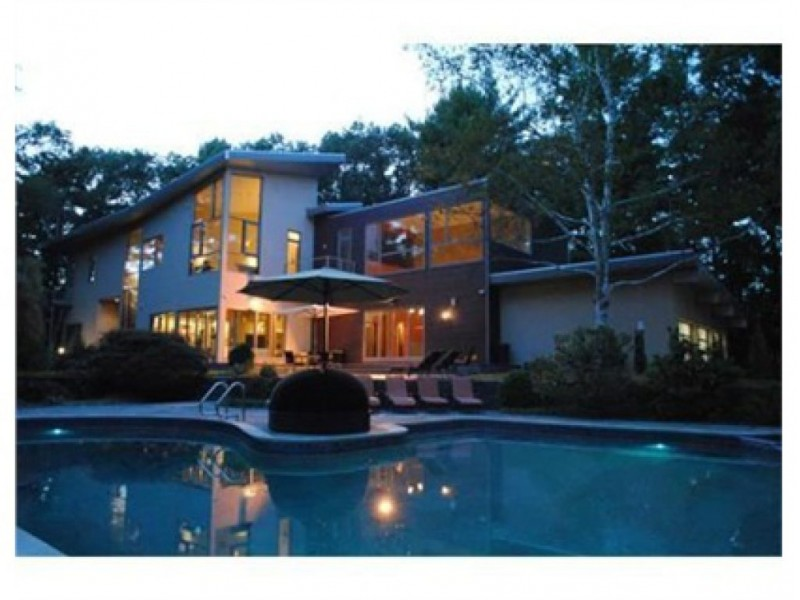 Home of the week 3 acres 4 bedrooms 5 000 square feet for 5000 sq ft to acres