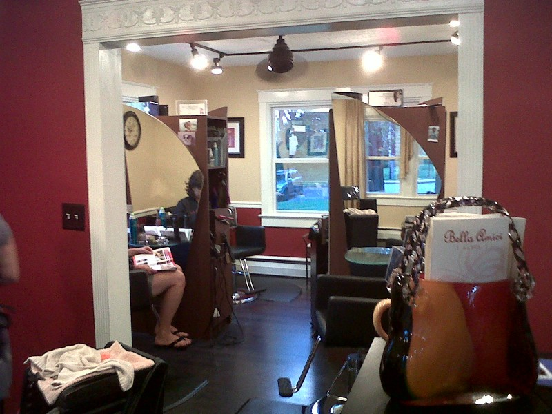 Charitable cause hits salon owners close to home bel air for Salon bel air foot