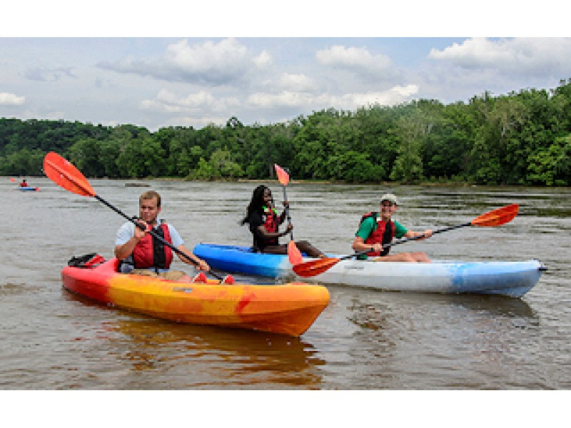 Kayaking and fishing activities at riverbend park mclean for Best fishing kayak under 800