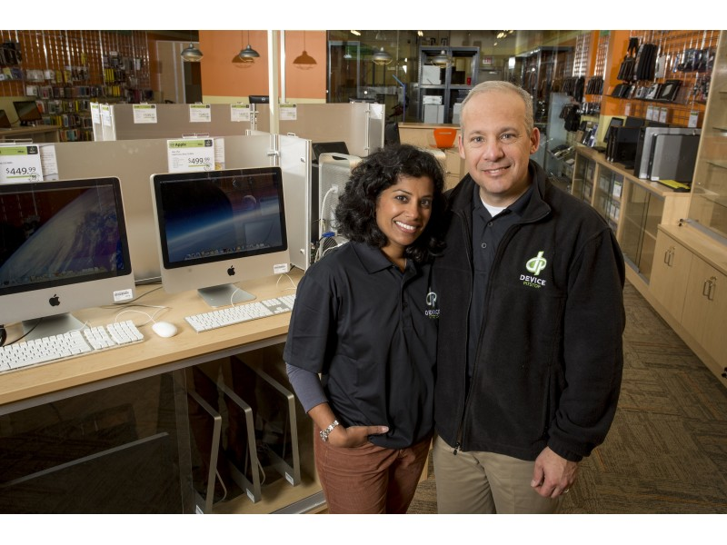 Device Pitstop franchisees Brad Peterson and Mary Anne standing in their Burnsville, MN, store