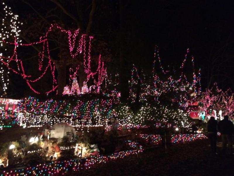 Norwalk Family Wins $50K National Prize for Christmas Lights ...