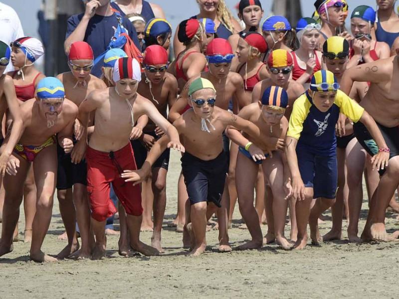 Photos junior lifeguards hit the water newport beach - Long island swim school garden city ...