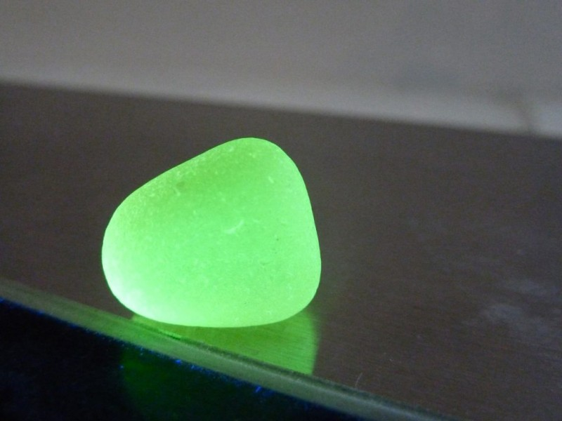sea glass search  a real glowing find