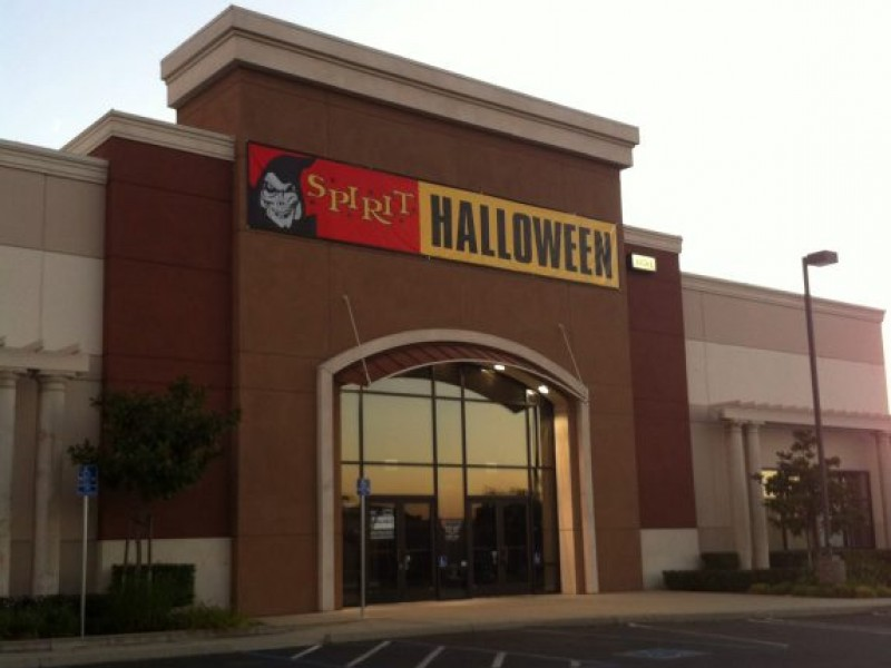 halloween stores begin hiring in davis and vacaville - Davis Halloween Store
