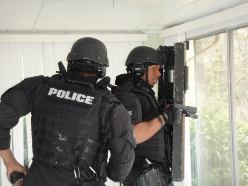 Local Realtor R And Builder Help Dekalb County Police Department 39 S Swat Team With Training