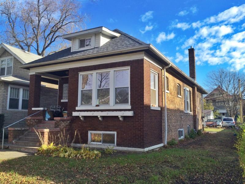 Classic Brick Bungalow For Sale 934 S Grove Ave Oak Park