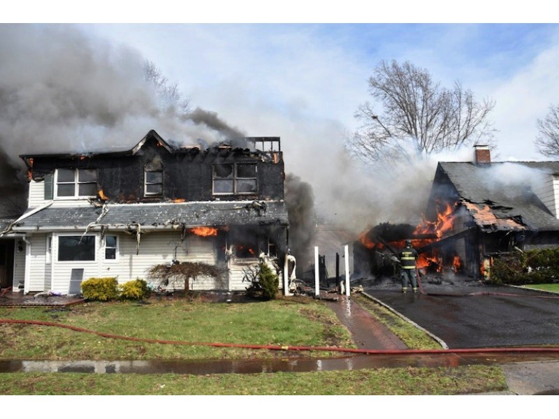 Hicksville Fire Destroys 2 Homes Updated Mineola Ny Patch