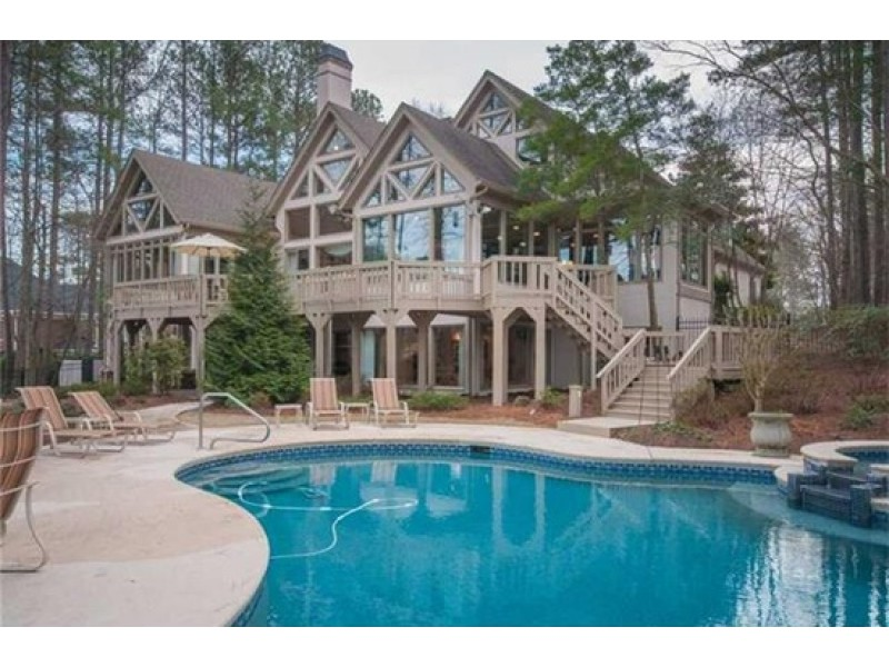 Wow house 1 6 m johns creek mansion with saltwater pool for 6 bedroom house with swimming pool for sale