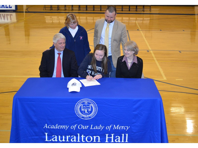 National Letter Of Intent Signing At Lauralton Hall. - Milford, Ct
