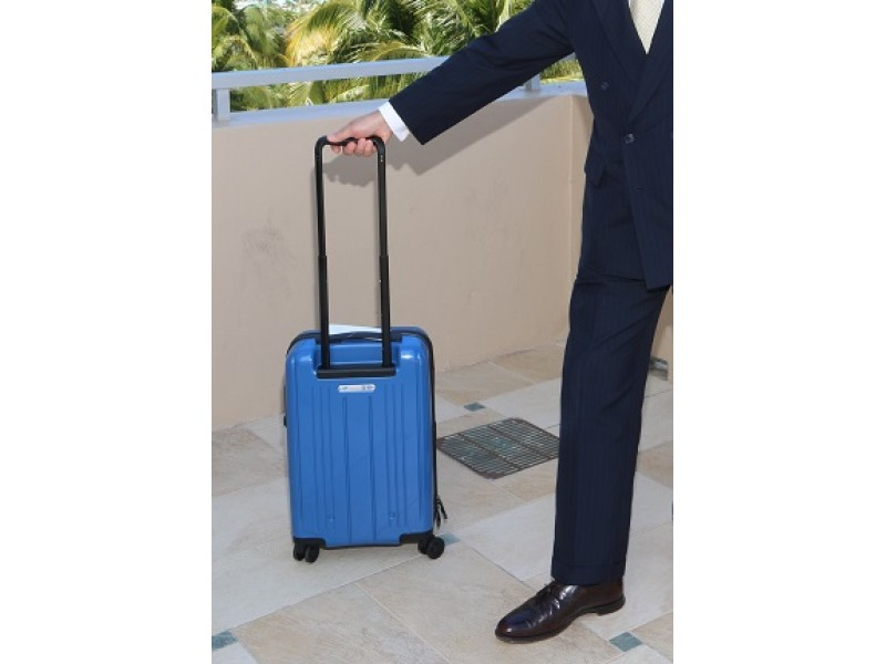 Smaller Carry-On Luggage: Airline Trade Group Proposes Change ...