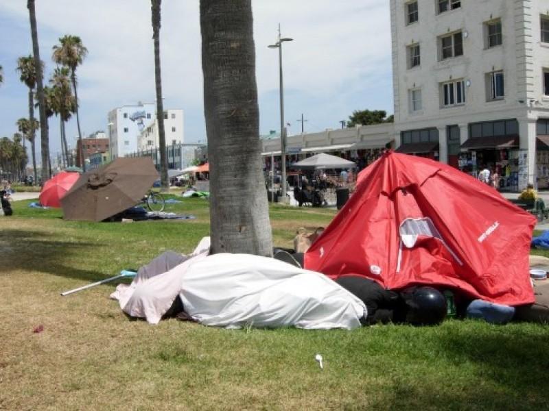 Venice Neighbors Oppose Plan To Build Homeless Storage Facility