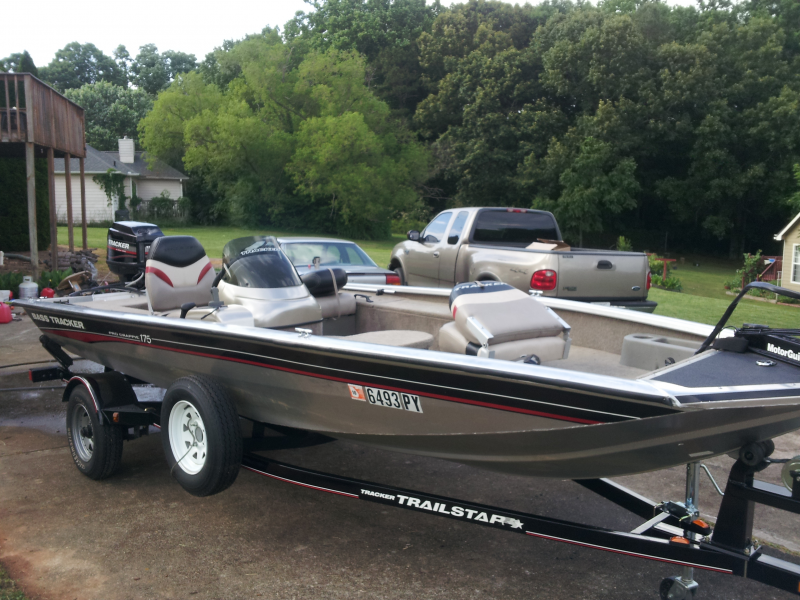 For sale 2004 bass tracker pro 175 crappie cumming ga for Bass pro fishing boats