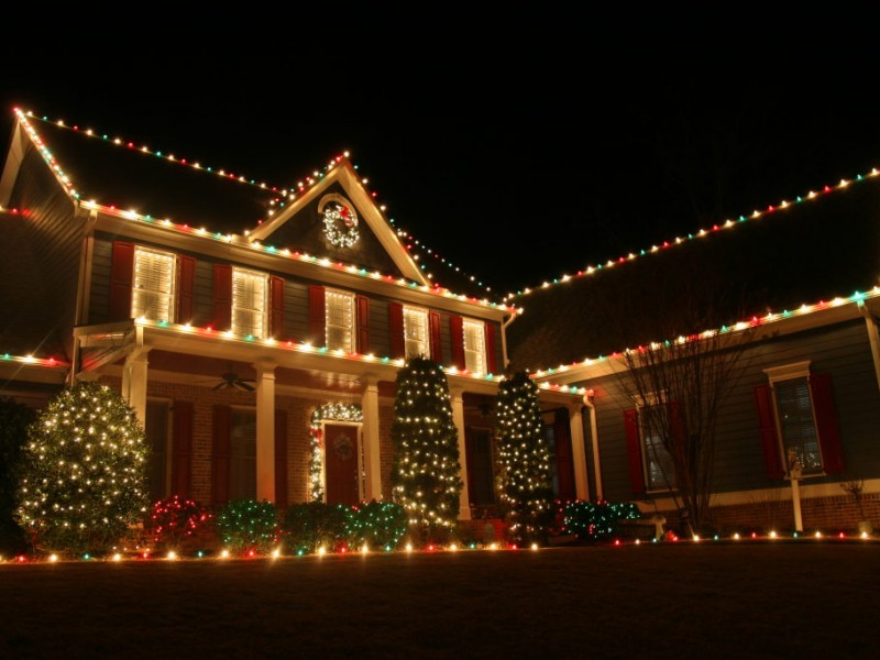 are colored holiday lights banned on main street - Multicolor Christmas Lights