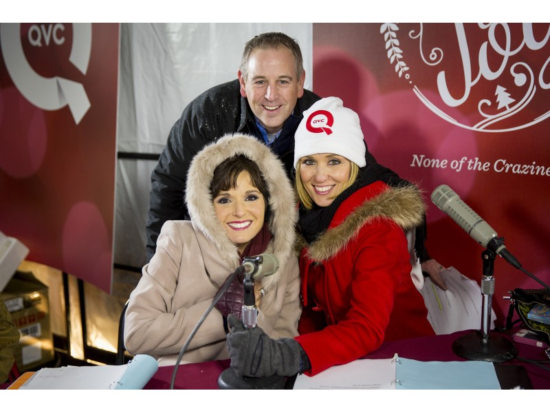 2015 Mars Drinks Old-Fashioned Christmas Parade Presented by QVC ...
