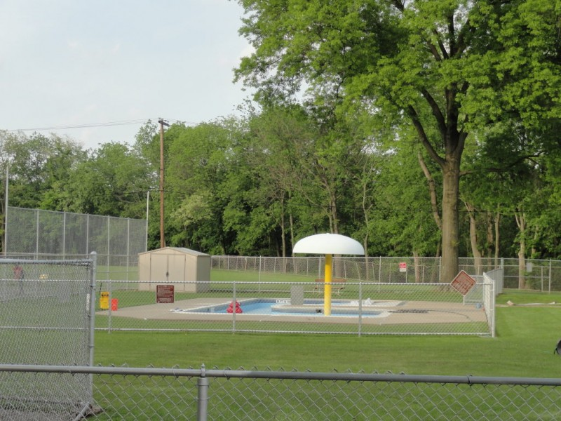 Swimming pool opens saturday at bellevue memorial park north hills pa patch for Memorial park swimming pool hours