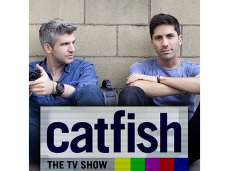 Mtv crew filming episode of 39 catfish 39 in oak lawn area for Chicago fishing show