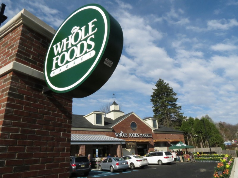 whole foods breaks bread with much fanfare in morristown. Black Bedroom Furniture Sets. Home Design Ideas